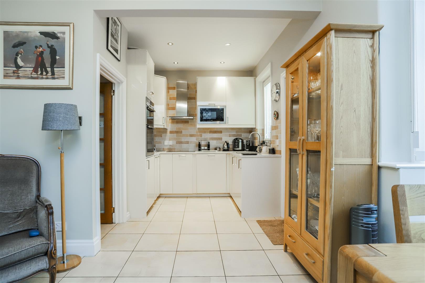 3 Bedroom Semi-detached House For Sale - 2.JPG